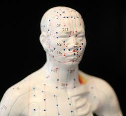 Akupunktur bei chronischen Erkrankungen in der Naturheilpraxis Karlsruhe