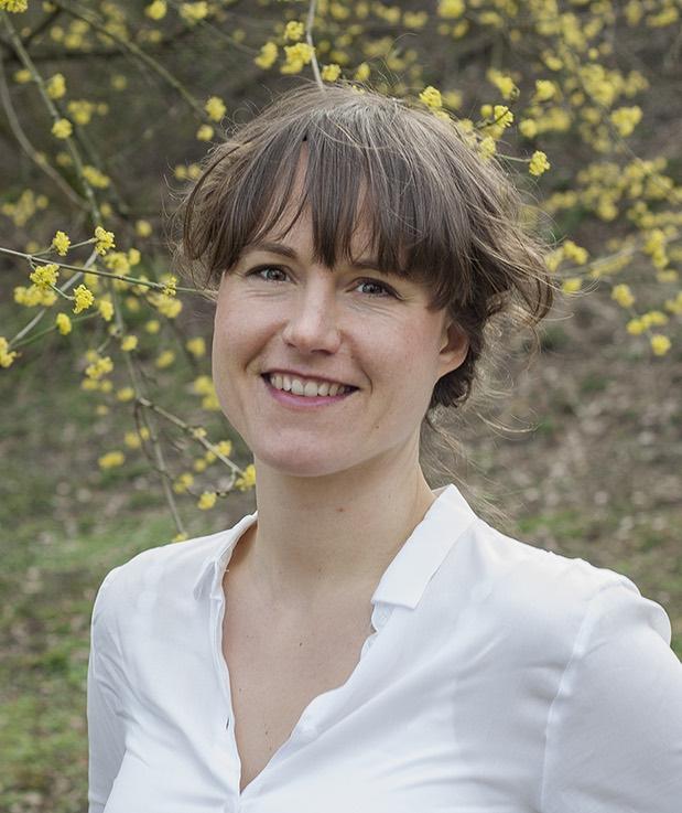 Stephanie Bauer, Mitarbeiterin der Naturheilpraxis Gerhardt in Karlsruhe